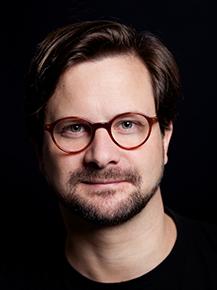 Portraitfoto von Daniel Greitens